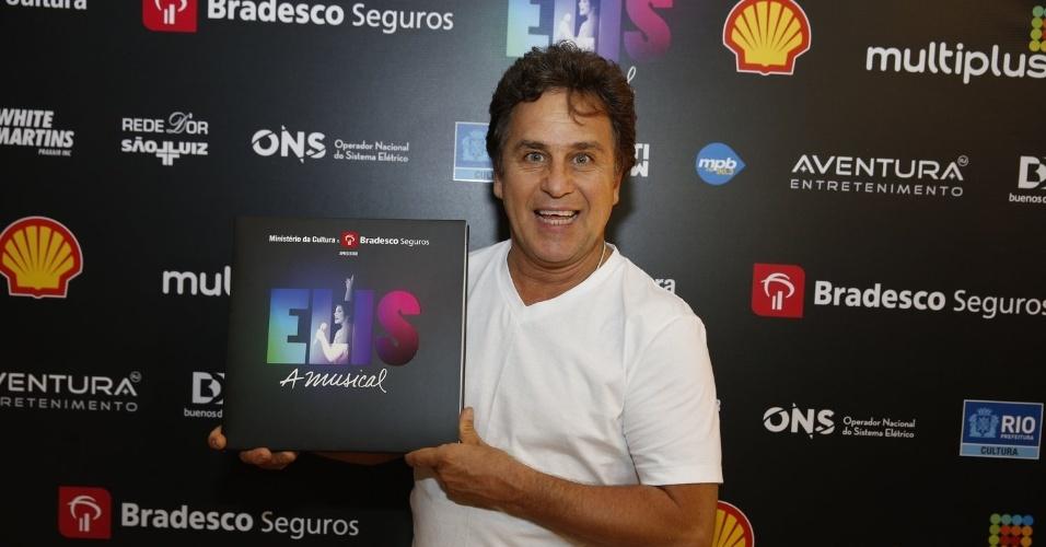 """14.nov.2013 - Marcos Frota prestigiou a exibição do musical """"Elis, A Musical"""", no Rio"""