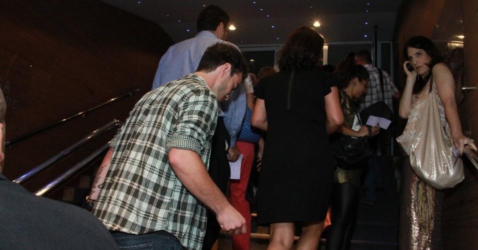"""14.nov.2013 - Nanda Costa prestigiou a exibição do musical """"Elis, A Musical"""", no Rio"""