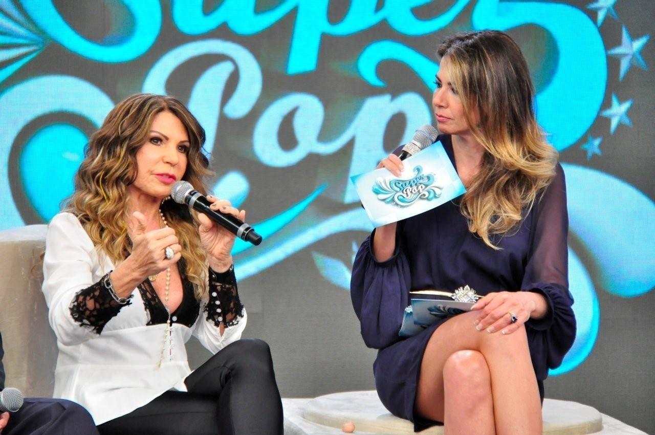 Nov.2013 - Elba Ramalho participa do programa