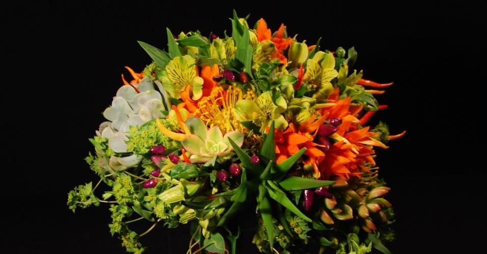 Buquê de de suculentas, pimentas e orquídeas; da Reserva Floral (www.reservafloral.com.br), por R$ 620. Disponibilidade e preço pesquisados em janeiro de 2014 e sujeitos a alteração