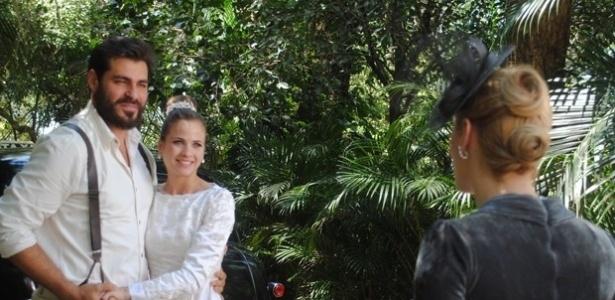 """Em """"Joia Rara"""", Gaia avisa Hilda que vai lutar pelo amor de Toni"""