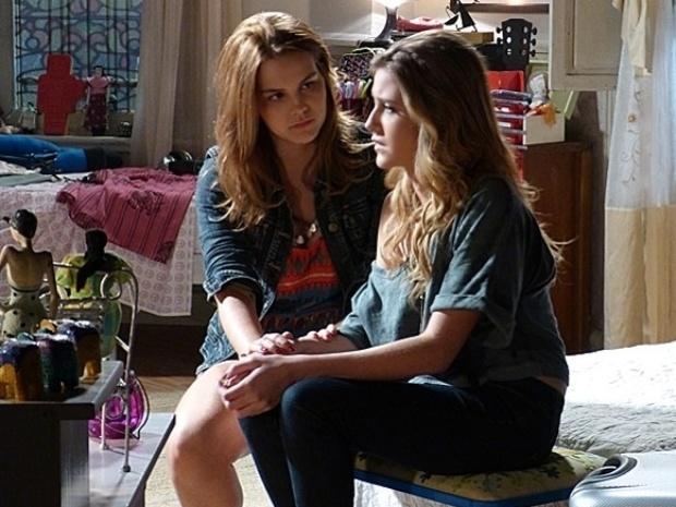 """Em """"Malhação"""", Sofia admite armações contra Meg, mas diz que não a empurraria"""