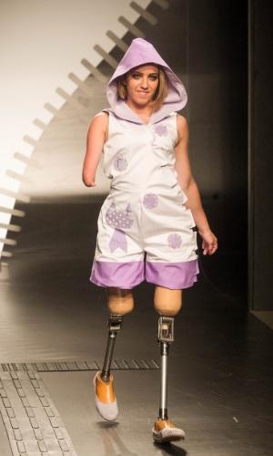 19.nov.2013 - Mariane Yukari Hasheda criou um macaquinho com capuz para o Concurso Moda Inclusiva