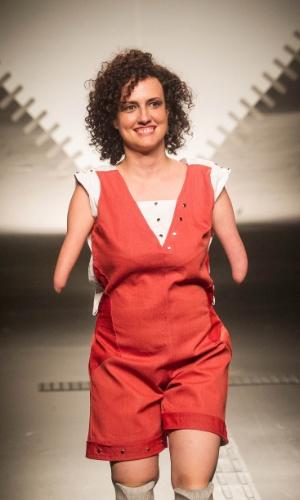 19.nov.2013 -  Thais Lima de Oliveira criou um macaquinho para o Concurso Moda Inclusiva