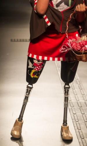 19.nov.2013 -  Detalhe do look criado por Leila de Oliveira Souza para o Concurso Moda Inclusiva