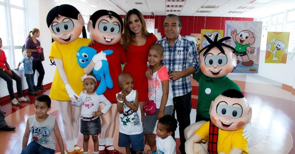 21.nov.2013 - Wanessa Camargo e Maurício de Sousa posam com crianças em tratamento contra o câncer no Hospital do GRAACC, no bairro da Vila Clementino, em São Paulo