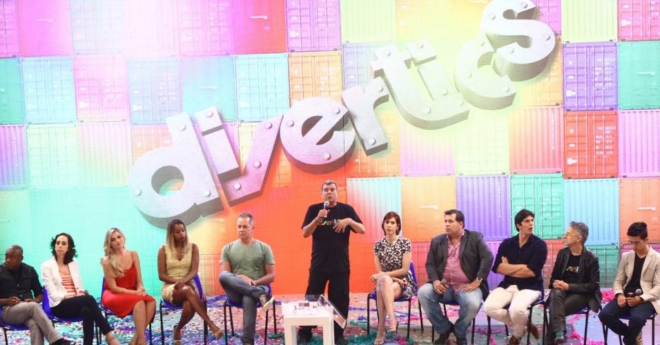 """21.nov.2013- Elenco se reúne para apresentar o novo humorístico da Globo, """"Divertics"""", que estreia dia 8 de dezembro. A nova atração traz esquetes interligadas por vinhetas musicais e performances dos atores e de artistas variados, realizado em um galpão de criação onde tudo pode acontecer"""
