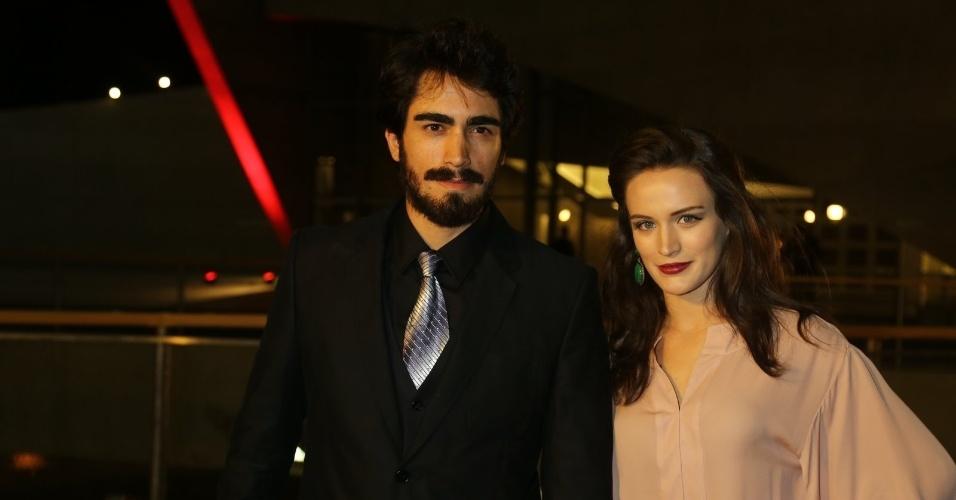 23.nov.2013 - Bianca Bin e o marido Pedro Brandão participam do especial de fim de ano de Roberto Carlos, na Globo