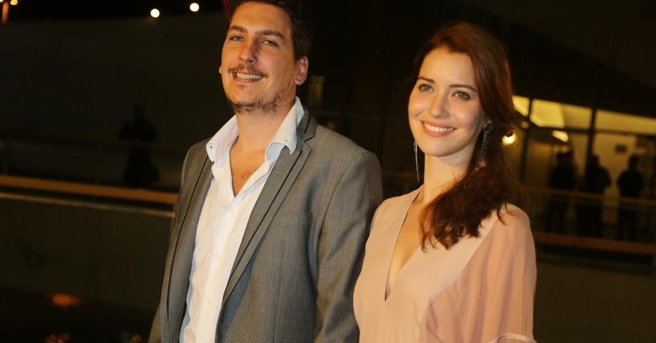 23.nov.2013 - Caio Sóh e Nathalia Dill participam do especial de fim de ano de Roberto Carlos, na Globo