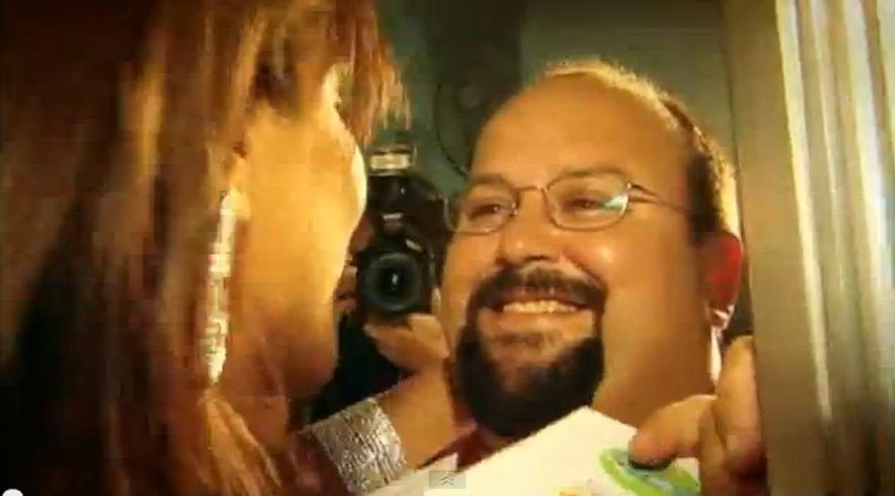 23.nov.2013 - Ivete Sangalo e o irmão, Jesus Sangalo, durante a gravação do seu DVD no estádio do Fonte Nova, em 2004, na Bahia