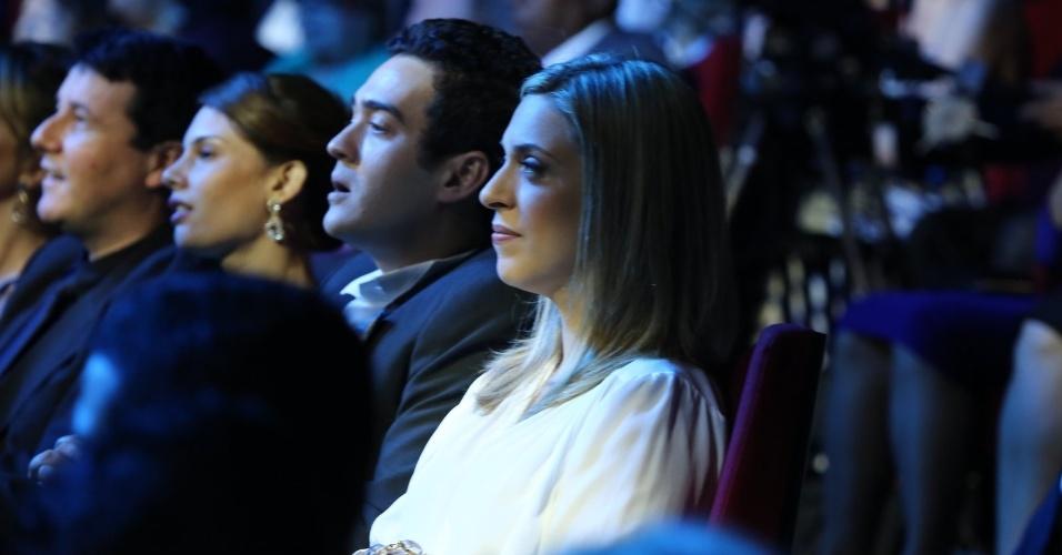 23.nov.2013 - Julia Rabello e Marcos Veras acompanham a gravação do especial de fim de ano de Roberto Carlos