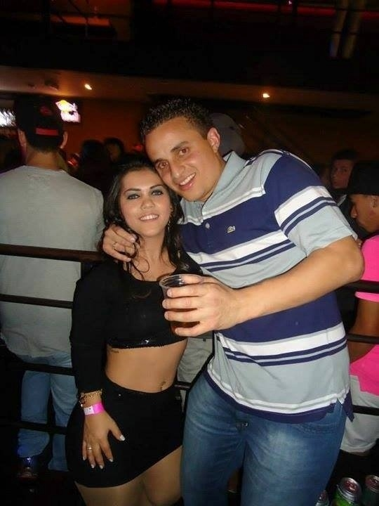 Karina Lemos com o marido Erick Cunha. Eles estão juntos há 9 anos e têm um filho, Renan, de 6 anos