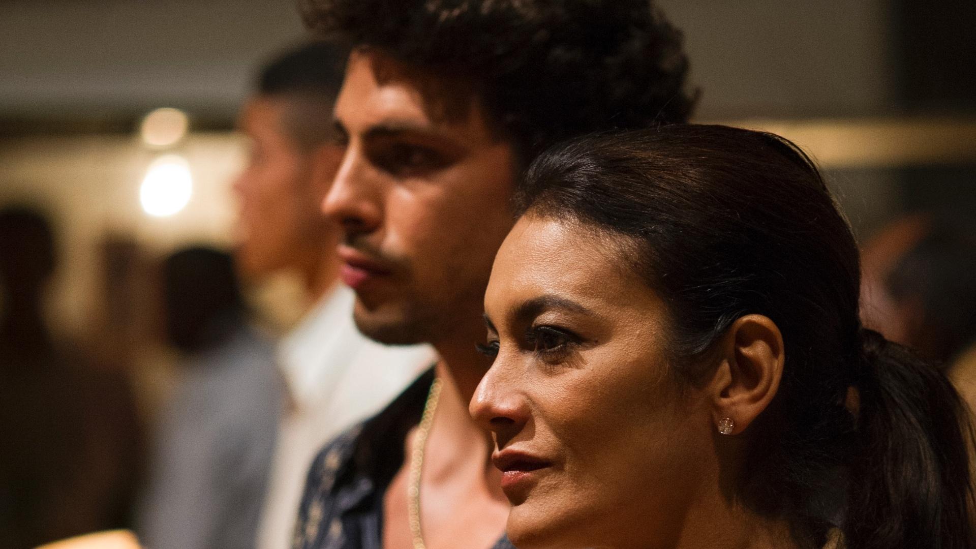 29.nov.2013 - Cauã Reymond e Dira Paes são Leandro e Celeste em