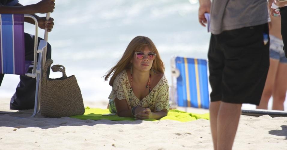 29.nov.2013 - Fernanda Souza na praia do Recreio dos Bandeirantes, no Rio de Janeiro. Ela está trabalhando ao lado de Marcelo Serrado nas gravações
