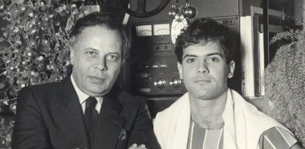 Produtor João Araújo ao lado do filho, Cazuza
