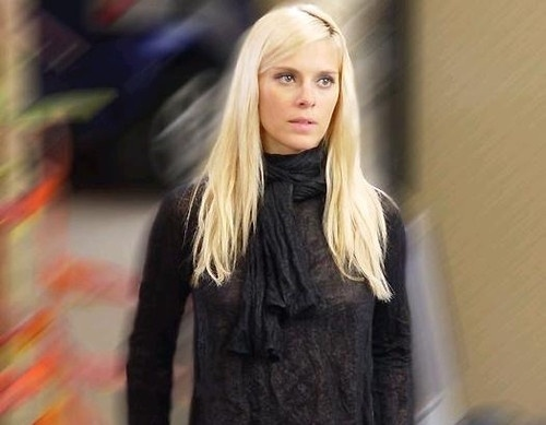 Leona (Carolina Dieckmann), de Cobras & Lagartos (2006)
