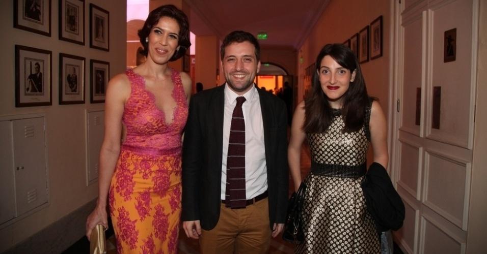 03.dez.2013- Maria Clara Gueiros, Gregório Duvivier e Clarice Falcão