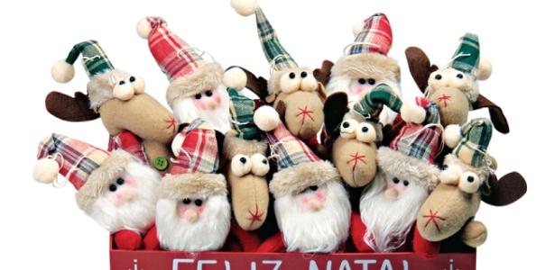 enfeites japoneses para jardim:Enfeites com fotos ou em forma de doces decoram árvore de Natal – BOL