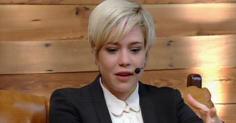 """4.dez.2013 - Leandra Leal é entrevistada no """"Vídeo Show"""""""