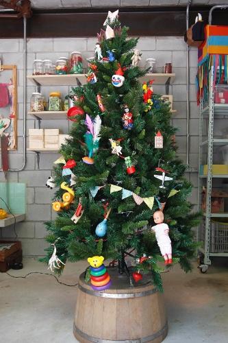 decorar uma arvore de natal : decorar uma arvore de natal:Nesse Natal, que tal decorar a árvore da família de uma maneira