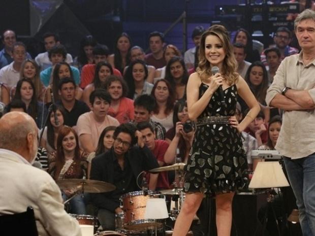 http://imguol.com/c/entretenimento/2013/12/05/5dez2013---sandy-participa-da-gravacao-especial-de-aniversario-do-altas-horas-1386282111176_620x465.jpg