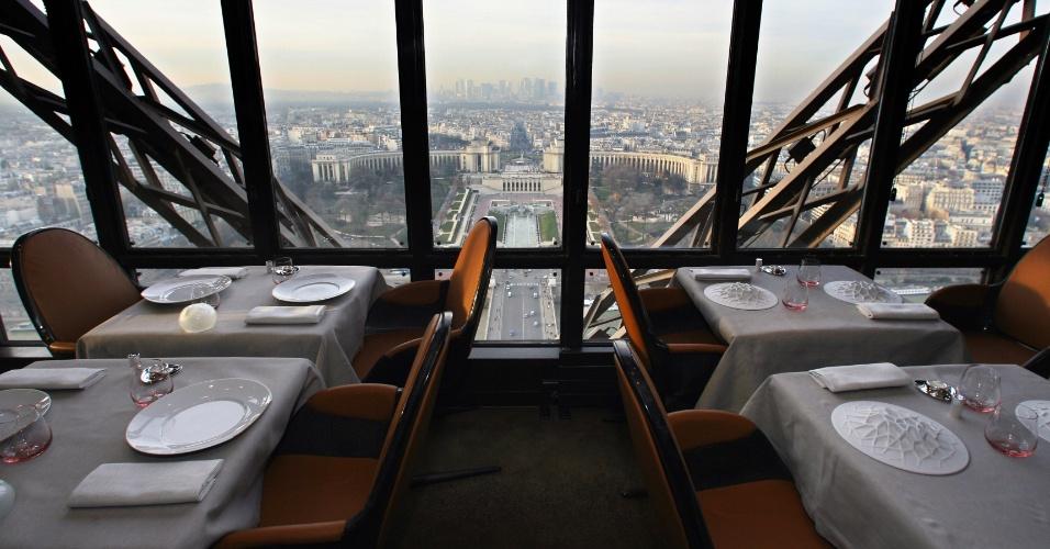Restaurante da torre eiffel ter menu de 550 euros - Restaurante julio verne ...