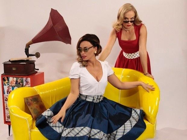 6.dez.2013 - Angélica e Suzana Pires se vestem como pin ups dos anos 1940 e 1950 em gravação do