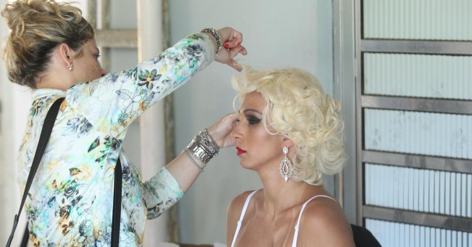 6.dez.2013 - Valesca Popozuda finaliza as gravações do clipe da música