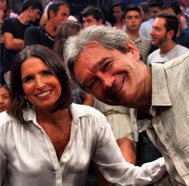 """10.dez.2013-  Serginho Groisman publica foto com Malu Mader em gravação do """"Altas Horas"""""""