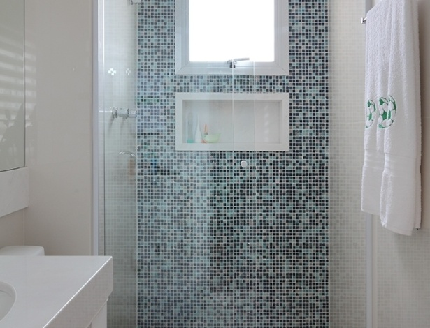 COMO USAR PASTILHAS NO BANHEIRO -> Banheiro Com Pastilha Na Parede Do Vaso