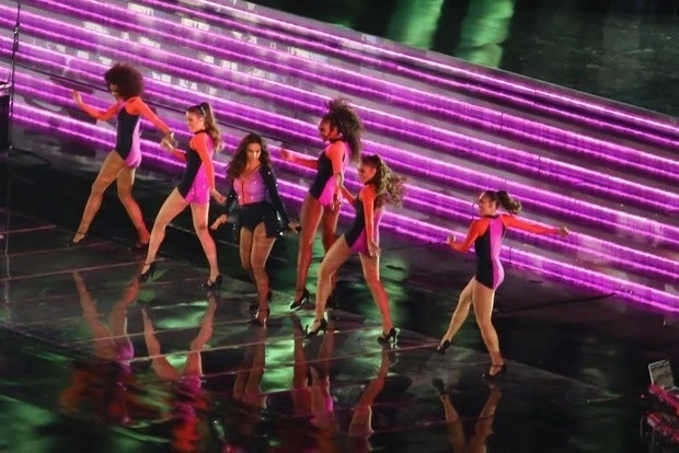 14.dez.2013 - Ivete Sangalo grava o DVD em comemoração aos seus 20 anos de carreira na Arena Fonte Nova, em Salvador
