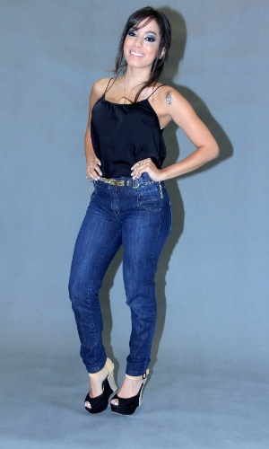 """17.dez.2013 - Anitta apresentou o programa musical """"Sai do Chão"""" em coletiva realizada no Projac, zona oeste do Rio. A atração tem estreia prevista para janeiro, na Globo"""