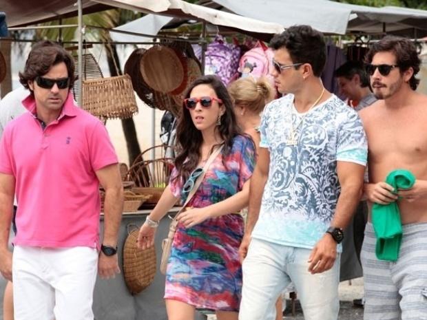 """Tatá Werneck e Anderson Di Rizzi gravam cenas de """"Amor à Vida"""" nas praias do Rio"""
