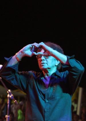 Reginaldo Rossi durante show no Polo Brasilia Teimosa, no Recife, em fevereiro de 2012