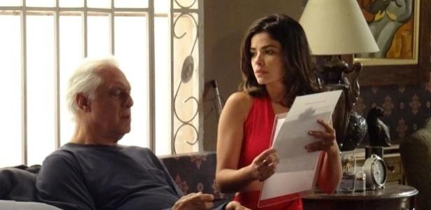 """Em """"Amor à Vida"""", César desconfia quando Aline pede sua assinatura"""