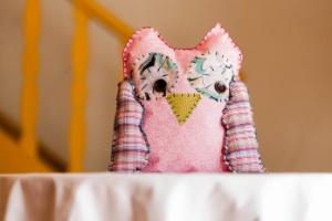 Com retalhos, faça uma almofada de coruja para o quarto da criança - Leonardo Soares/UOL