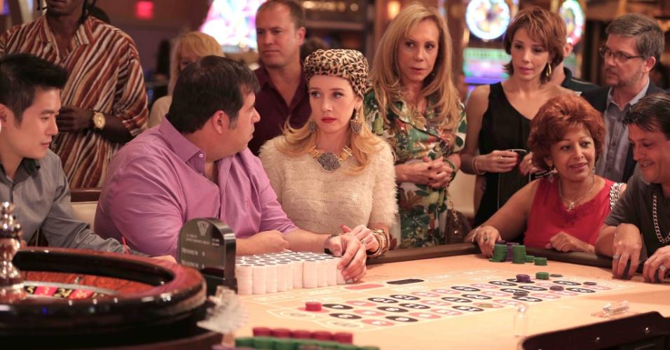 A família de Jane (Camila Morgado) e Tino (Leandro Hassum) em Las Vegas
