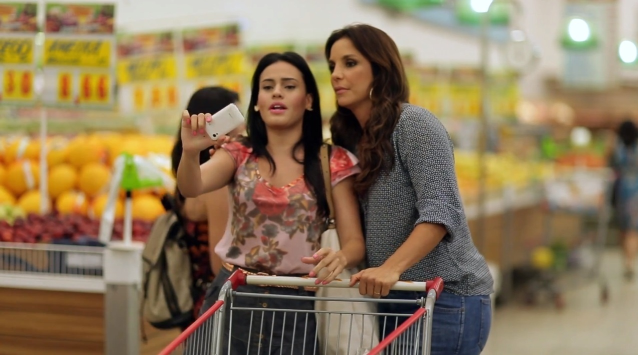 Letícia Lima e Ivete Sangalo em cena do vídeo