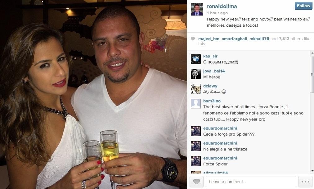31.dez.2013 - Acompanhado da noiva, a DJ Paula Morais, Ronaldo curtiu festa de réveillon em Las Vegas, nos Estados Unidos