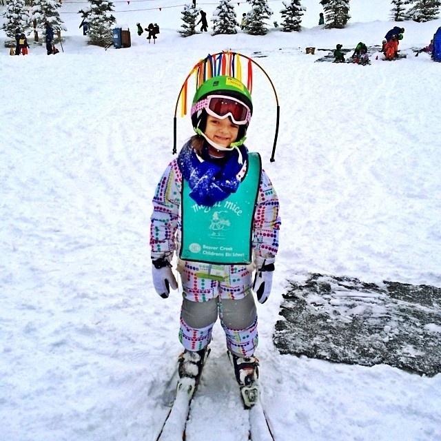 4.jan.2013 - A apresentadora Ticiane Pinheiro mostrou no Instagram a primeira vez de sua filha Rafaella Justus esquiando na neve, na estação de esqui Beaver Creek, no Colorado (EUA)