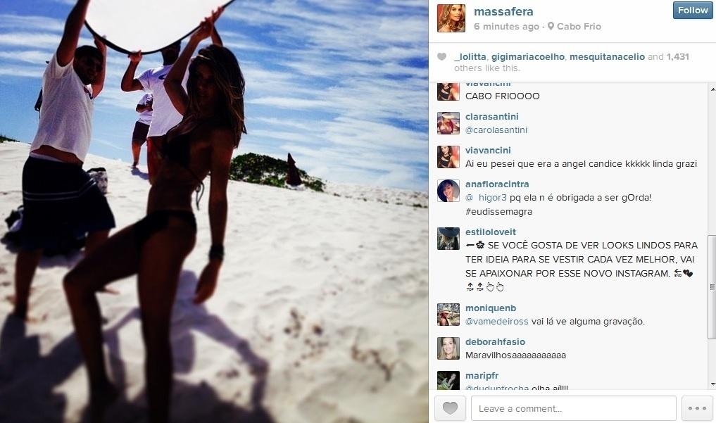 6.jan.2014 - De biquíni, Grazi Massafera fez ensaio em uma praia de Cabo Frio, região dos lagos do Rio de Janeiro. A atriz recebeu elogios dos fãs. Grazi está separada de Cauã Reymond. Ela é mãe de Sofia