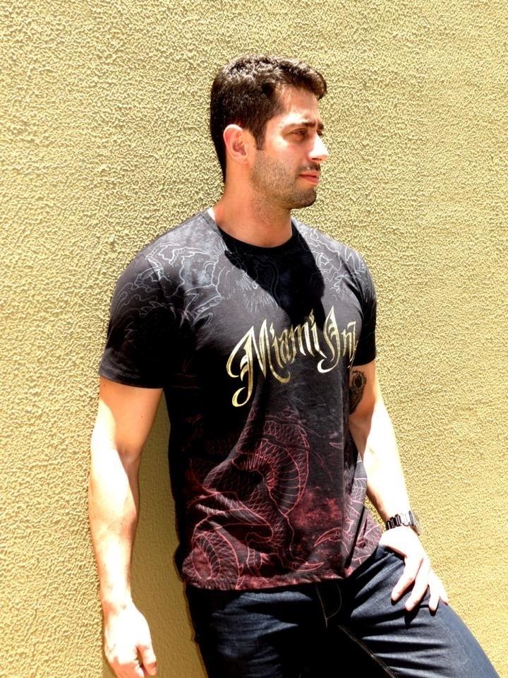 Marcelo Zagonel tem 26 anos e trabalha como administrador e modelo
