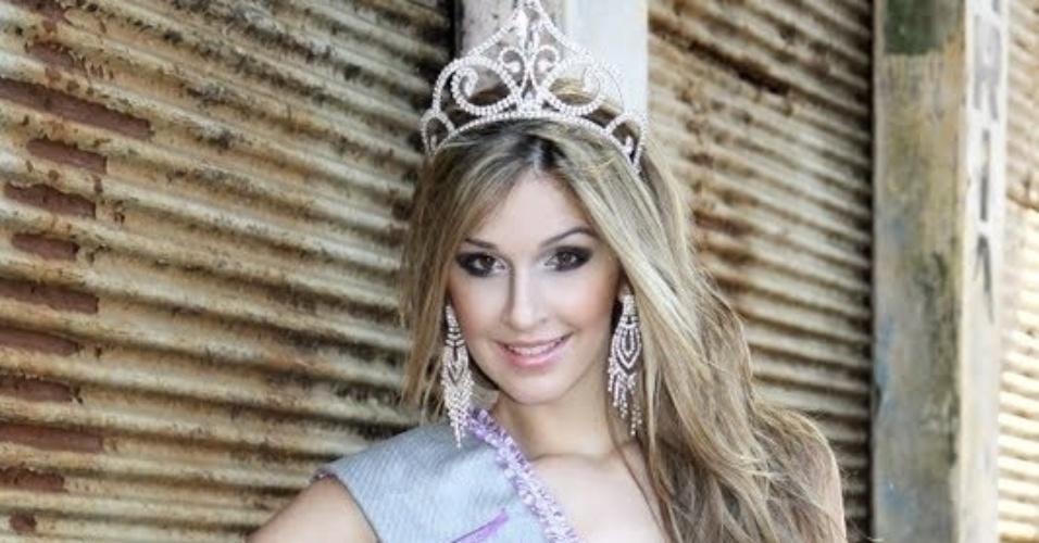 Tatiele foi eleita eleita Miss Cianorte 2011