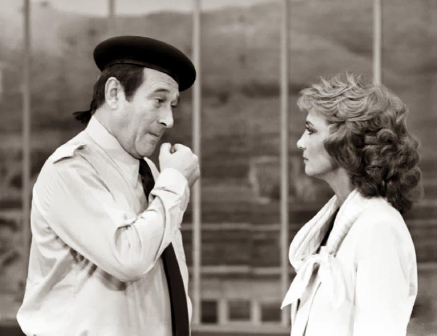 """1980 - Paulo Goulart com Eva Wilma em cena de """"Plumas e Paetês"""""""