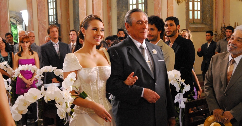 "2009 - Paola Oliveira e Paulo Goulart na novela ""Cama de Gato"""