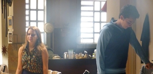 """Em """"Malhação"""", Ben termina namoro com Anita após ameaças"""
