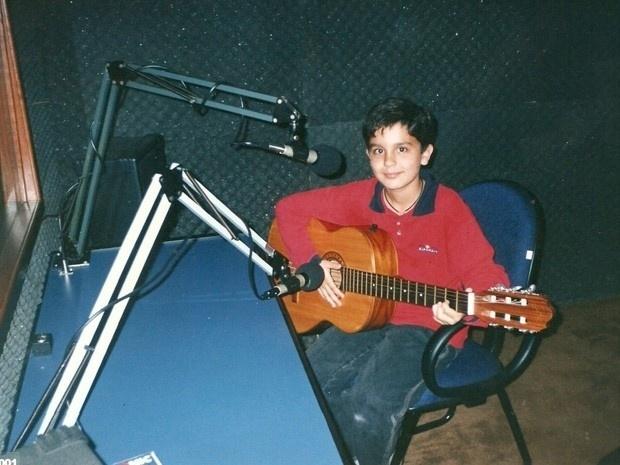 Desde novo, Luan já mostrava intimidade com o instrumento musical