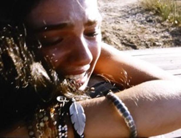 """14.jan.2014 - Em """"Amores Roubados"""", Antônia revela que está grávida de Leandro"""
