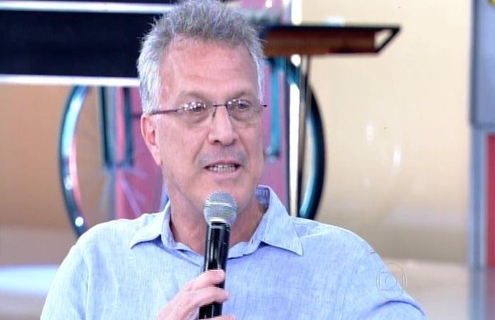 O apresentador Pedro Bial participa do programa