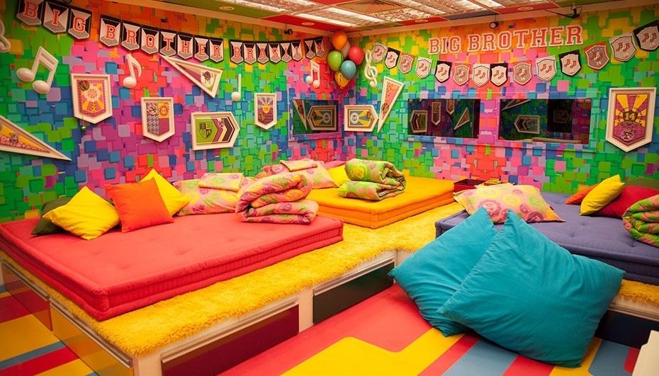 """14.jan.2013 - O Quarto Festa do """"BBB14"""" é invadido por cores fortes e notas musicais"""